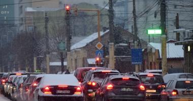 Ninge la Constanţa. Trafic dificil în oraş