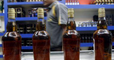 Tragedie în India. Au murit după ce au consumat alcool contrafăcut