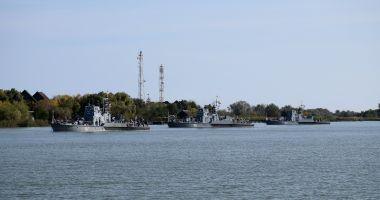 Trageri de luptă, pe fluviul Dunărea. Zece nave la instruire