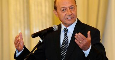 """Traian Băsescu: """"Mă surprinde opţiunea PNL de a aduce candidați din afara partidului"""""""