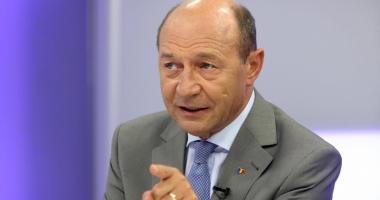 """Traian Băsescu: """"Premierul Tudose trebuie să-i spună lui Dragnea stop joc"""""""