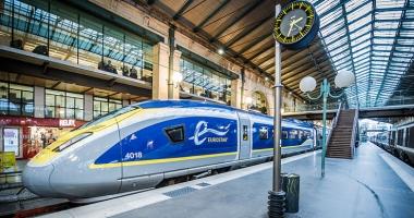 Trenul Eurostar Paris - Londra,  oprit timp de patru ore