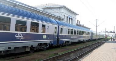 Turiştii plătesc mai puţin la trenurile InterCity care vin pe litoral, din Capitală