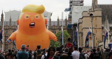 Donald Trump, întâmpinat cu proteste în Marea Britanie