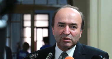 Ministrul Justiției amenință cu OUG pe CODURILE PENALE
