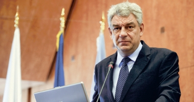 """Premierul Tudose, despre concedii: """"Nu suntem maşini, să nu fim ipocriţi"""""""