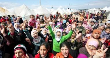 Turcia nu va putea găzdui mai mult  de 100.000 de refugiaţi