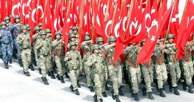 Turcia acuză SUA şi Germania de un embargou nedeclarat în domeniul armamentului