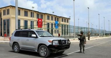 Turcia deschide o bază militară de mari dimensiuni, la Mogadiscio