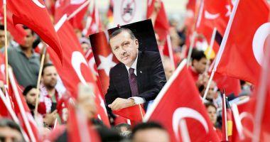 Turcia a emis un decret privind transferul de puteri către preşedinte