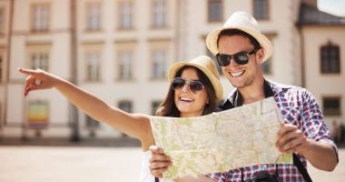 """Licenţa de turism a agenţiei """"Omnia Turism"""" a fost retrasă, iar turiştii vor fi despăgubiţi"""
