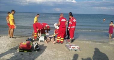 Turist înecat la Costineşti, transportat cu elicopterul la spital