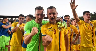 Oferte tentante pe numele puștilor lui Rădoi. Ce cluburi importante se bat pe jucătorii români