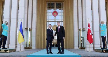 Ucraina și Turcia își extind relațiile în domeniile militar și comercial