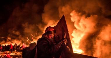 Tensiuni în UCRAINA / Intense CONFRUNTĂRI ARMATE în oraşul Kramatorsk