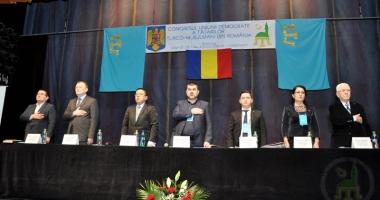 Foto : Lupte pentru putere în comunitatea tătară. Congresul UDTTMR se joacă la dublu