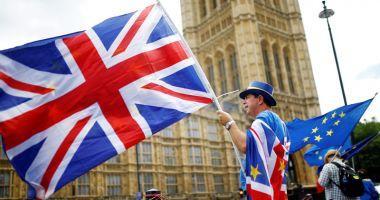 UE, gata să examineze dacă mai poate oferi Marii Britanii garanţii suplimentare