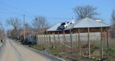 Noua modă la Constanţa: cu maşina pe acoperiş!