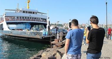 Un ferry-boat a lovit digul la Canakkale