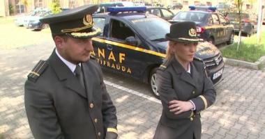 Un grup infracţional transfrotalier a fraudat statul român de 2,5 milioane de euro