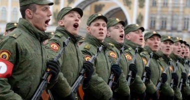 Unităţile militare din 29 de regiuni ale Rusiei, în stare de alertă maximă