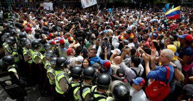 Uniunea Europeană se opune oricărei evoluţii militare în criza din Venezuela