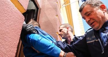 Un minor a fost arestat după ce a tâlhărit o femeie, la Mangalia