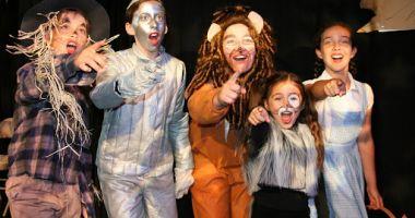 Elevii vor putea studia teatrul ca disciplină opţională la școală