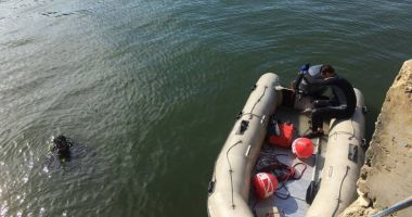 Trupul uneia dintre adolescentele căutate de pompierii şi scanfandrii din Constanţa a fost găsit