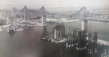 Arhiva de Aur Cuget Liber. Podul Carol I şi şantierul noului pod rutier de la Cernavodă - 1983