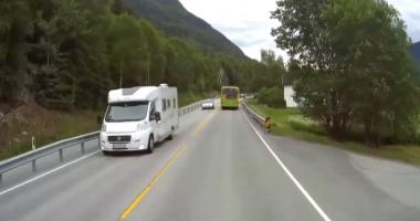 VIDEO / ŞOFER DEMN DE TOATĂ LAUDA! Cum a evitat, la limită, o tragedie rutieră
