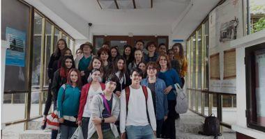 GALERIE FOTO / Un liceu aproape de centenar, în centenar