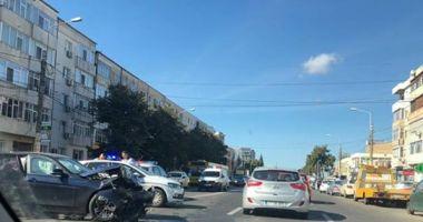 GALERIE FOTO. Accident rutier la Constanţa! Trei maşini avariate