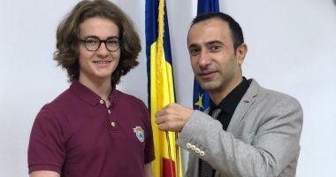 Edis Memiş, de la Liceul Internaţional de Informatică din Constanţa, medaliat cu argint la un nou concurs de matematică