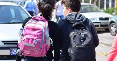 Panică printre părinţii din cartierul Inel II. Elevi ameninţaţi de un bărbat, cu un briceag