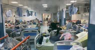 Imagine de groază din Spitalul Judeţean Constanţa: zeci de pacienţi cu COVID, în stare gravă, înghesuiţi pe tărgi