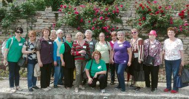 Vacanță plăcută pentru 100 de bătrâni singuri