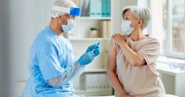 Ce spun specialiştii despre reacţiile adverse ce pot apărea după administrarea vaccinului contra Covid-19