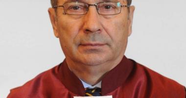 """Universitatea """"Andrei Şaguna"""" îi decernează titlul de Doctor Honoris Causa lui Valer Dorneanu"""