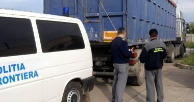 Vameşii constănţeni au confiscat mărfuri contrafăcute în valoare de peste 100.000 euro