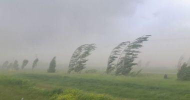 Cod galben de vânt în județele Constanța și Tulcea