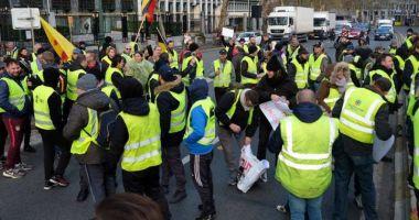 """Nou protest al mișcării """"Vestele galbene"""": Mii de oameni au ieșit în stradă în Franța"""