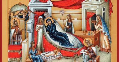 Veşmântul Cuvioasei Parascheva, adus la Biserica