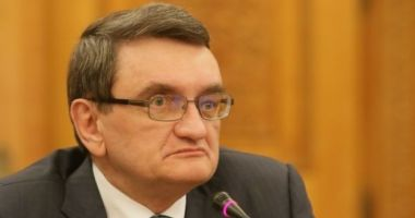Victor Ciorbea sesizează Curtea Constituțională pe motiv că deținuților le este încălcat dreptul la viață intimă