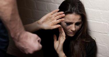 O femeie din Constanţa şi-a dat concubinul pe mâna poliţiei, la 3 dimineaţa!