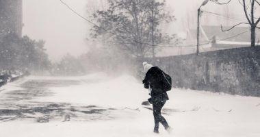 Foto : IARNA REVINE ÎN FORŢĂ! Va începe un nou val de ninsori, iar temperaturile vor scădea