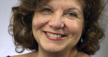 """O scriitoare franceză, în vizită la Liceul """"George Călinescu"""""""