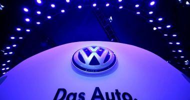 Volkswagen îşi modifică sigla!