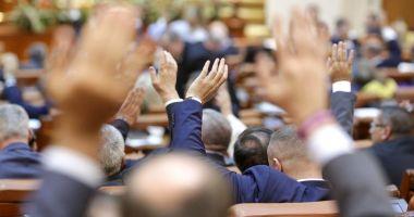 Senatorii din comisia juridică au respins propunerea privind parteneriatul civil