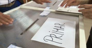 Proiectul privind alegerea primarilor în două tururi de scrutin, respins de Senat